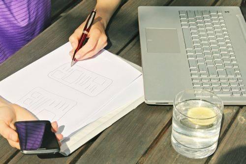 Motivos para contratar redactores profesionales para blogs o webs