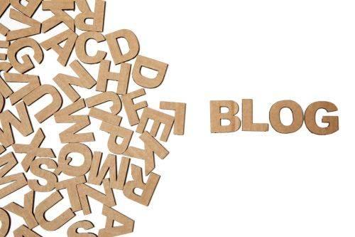 ¿Cómo se gana dinero con un blog informativo?
