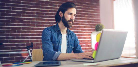 ¿Cómo puedo saber que un redactor contratado está haciendo un buen trabajo si no tengo experiencia en escritura y redacción?