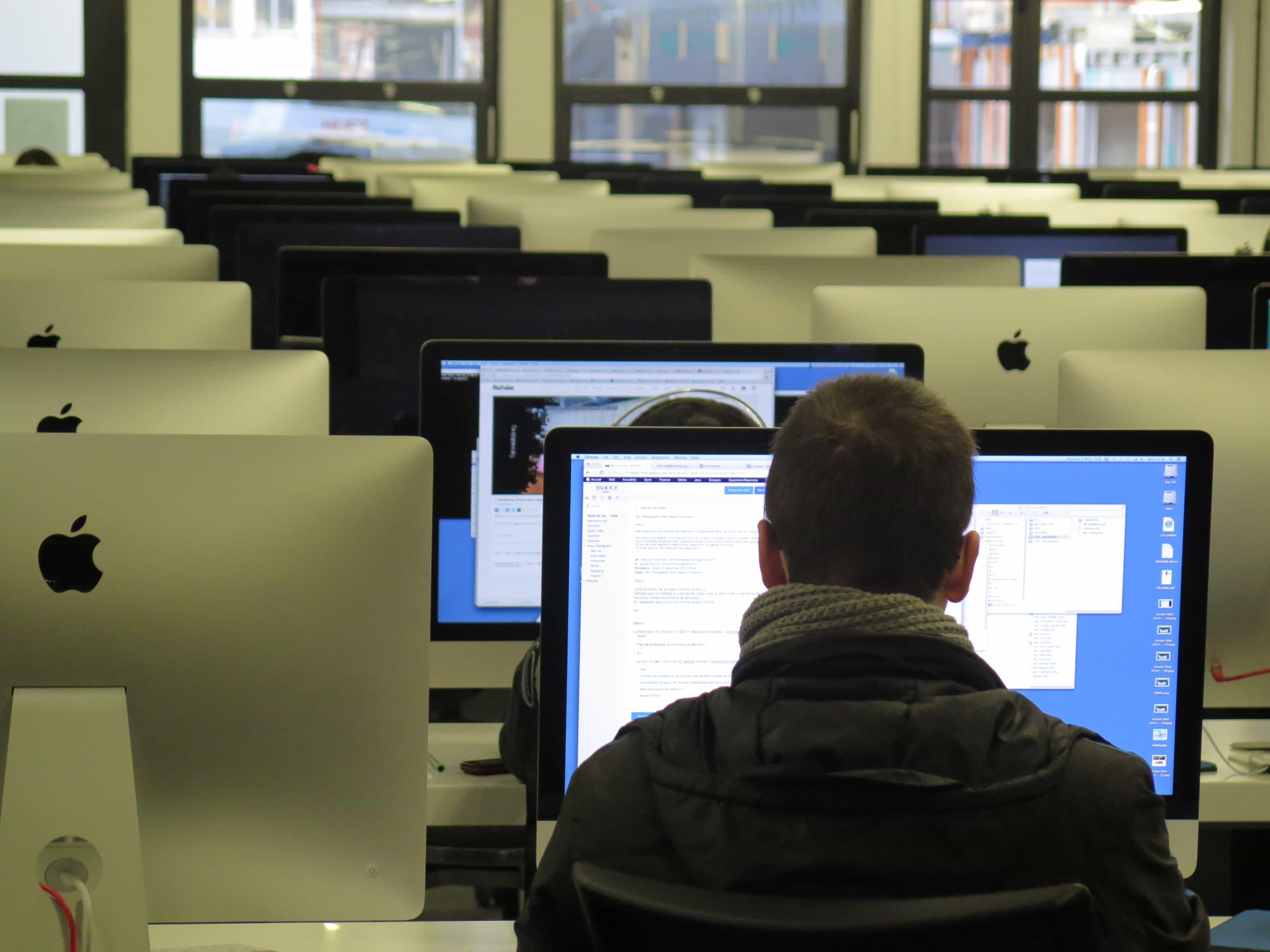 Un redactor digital, debe enseñar antes que vender.