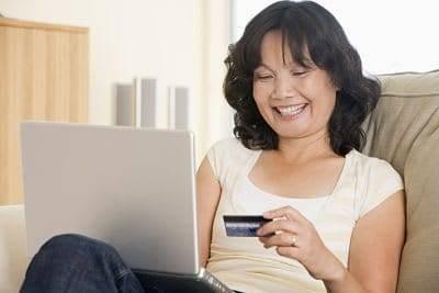 Como posicionar un e-commerce Mujer comprando en internet