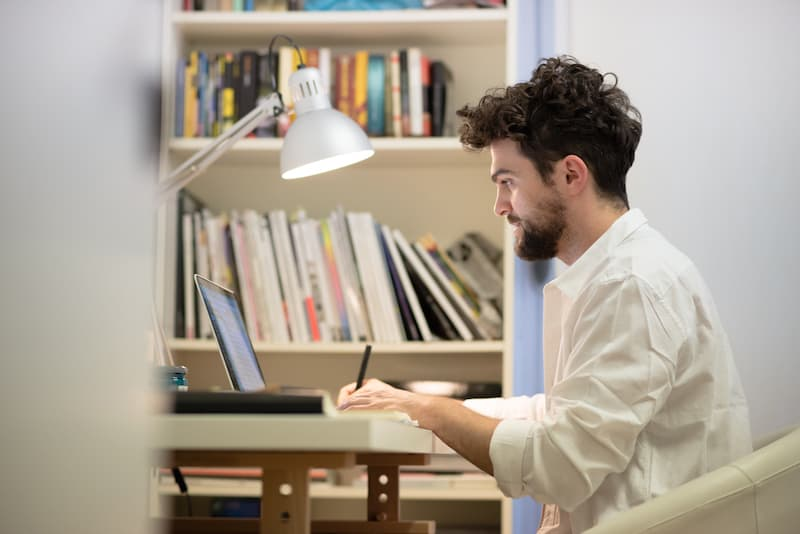 Ventajas de contratar un servicio de creación de contenidos para tu blog de cine