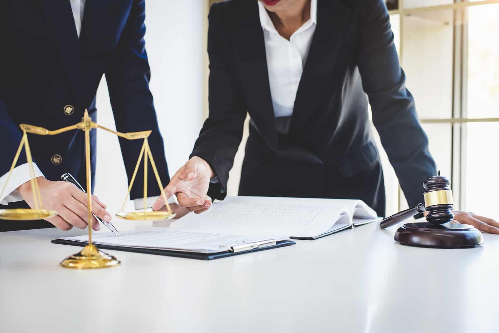 Consigue ahora tu primer contenido web gratis para tu despacho de abogados